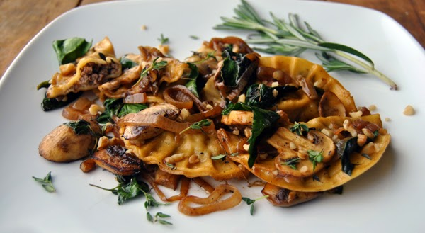 Venison Ravioli with Spinach, Mushrooms and White Wine Sauce